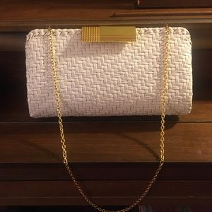 Vintage woven clutch with crossbody chain